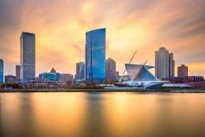 Photo of Milwaukee skyline at sunset | Online Therapy in WI | Synergy eTherapy